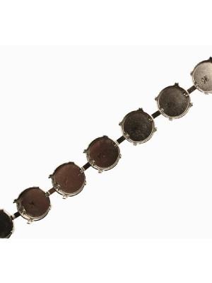 Catena porta strass, composta da castoni tondi (14 mm.), base Argentato Rodio