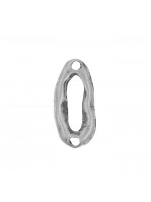 Anello ovale chiuso, piatto e irregolare, con due fori,  10x22 mm.