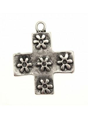 Ciondolo a forma di croce quadrata con 5 fiori 28 mm.