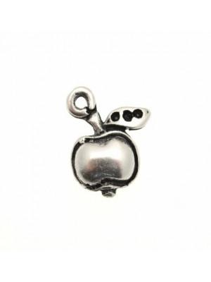 Ciondolo a forma di mela piccola piatta 15x10 mm.