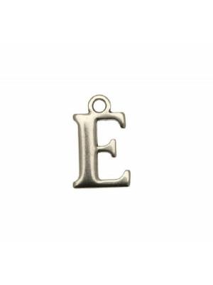 """Ciondolo a forma di lettera """"E"""", 9x16 mm."""