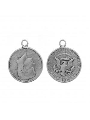 Ciondolo a forma di moneta americana da mezzo dollaro, 35x28 mm.