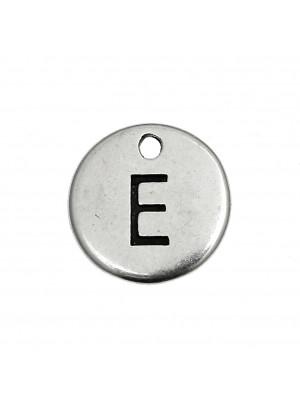 """Ciondolo a forma di medaglia tonda con lettera """"E"""", diametro 12 mm."""