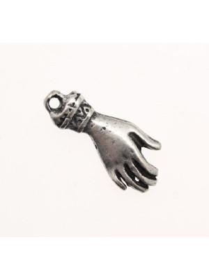 ciondolo a forma di mano da donna 11x22 mm.