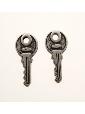 Ciondolo a forma di chiave moderna normale piccola 20x8 mm.