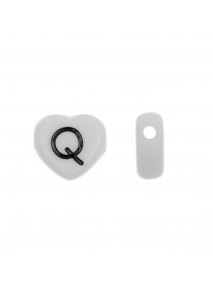 """Distanziatore a Cuore in resina con disegno lettera """"Q"""", 12x11 mm."""