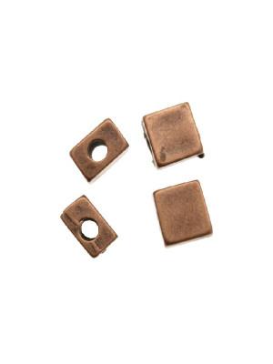 Distanziatore quadrato piatto liscio, 7x8 mm.