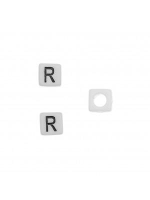 """Distanziatore quadrato in resina con disegno lettera """"R"""", 7 mm."""