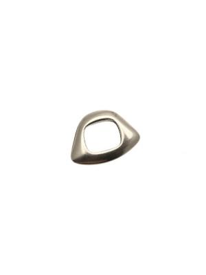 Distanziatore a rondella piatta liscia, dalla forma irregolare, 14x20 mm.