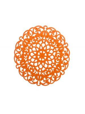 Filigrana tonda leggermente bombata, traforata a riccioli, base in ottone, 68 mm., colore Arancione fluo effetto gommoso