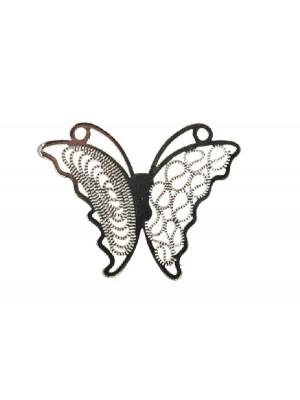 Filigrana a forma di farfalla piatta sottile, con ali dal disegno diverso l'una dall'altra, 30x22 mm.