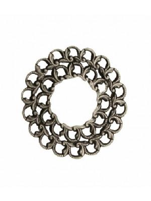 Filigrana tonda a cerchio piatta, aperta al centro, lavorata a riccioli nel contorno, 35 mm.