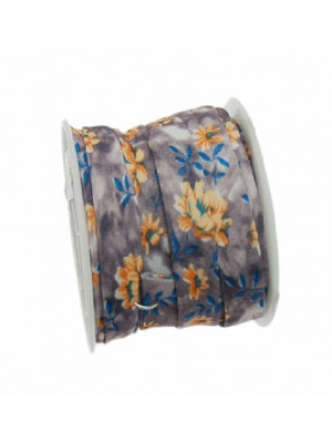 Nastro piatto, a sbieco piegato, in poliestere , alto 10 mm., colore FIORATO SU BASE GRIGIO