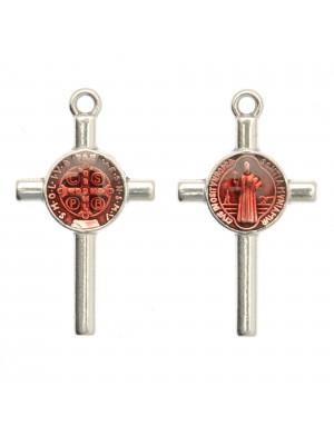 Ciondolo a forma di Croce con elemeno al centro, 13x23 mm., base Argento Anticato, colore smalto Rosso Amaranto