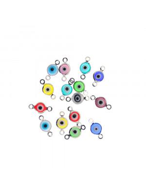 Elemento a doppio anello con incastonato un occhietto in vetro, misura 6,5x13 mm., colori misti base in metallo colore Argentato Rodio