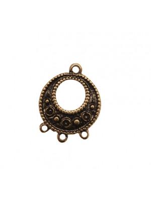 Cerchio per orecchino, forato al centro, con disegni a cerchietti e palline alternati, largo 20 mm., lungo 26 mm.
