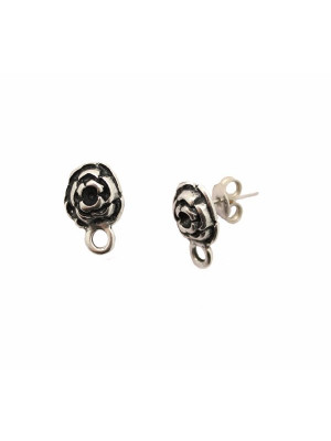 Perno a forma di rosa in rilievo, largo 10 mm., lungo 15 mm., con un anellino chiuso sotto