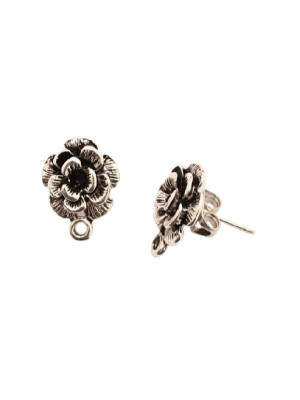 Perno a forma di rosa in rilievo, largo 12 mm., lungo 14 mm., con un anellino chiuso sotto