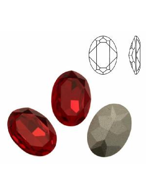 Gemma ovale sfaccettata, in cristallo, colore LIGHT SIAM