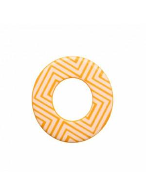 Cerchio piatto, 44 mm., forato al centro, in resina Giallo Ocra con disegni geometrici bianchi