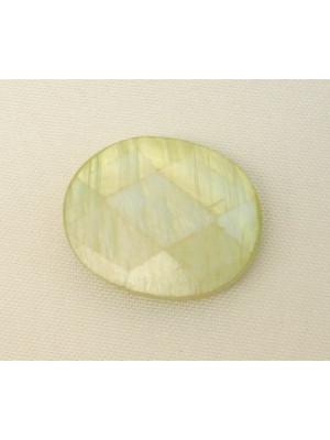 Ovale sfaccettato in conchiglia con foro passante, 22x15 mm., colore Verde chiaro