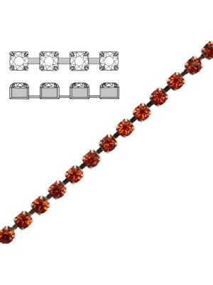 Catena strass, con cristalli Swarovski, base in metallo colore argentato rodio, colore strass INDIAN RED