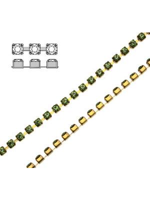 Catena strass, con cristalli Swarovski, base in metallo colore ottone, colore strass PERIDOT