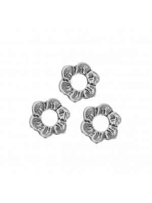 Anello tondo chiuso a forma di fiore piatto 12 mm.