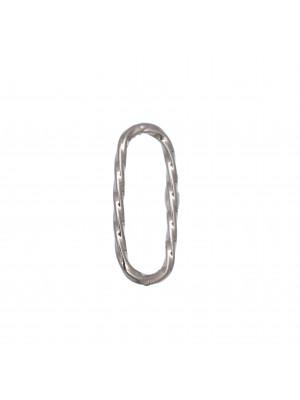 Anello ovale chiuso sottile, lungo e zigrinato, 22x8 mm.