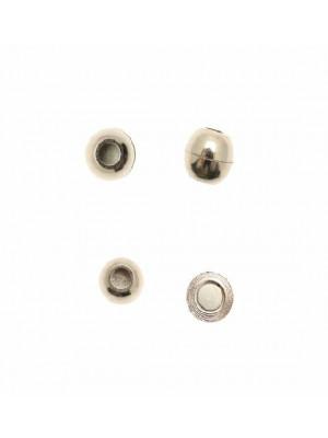 Chiusura a calamita per cordoncino tubolare (diametro 5 mm.), a forma di palla, 12x13 mm.
