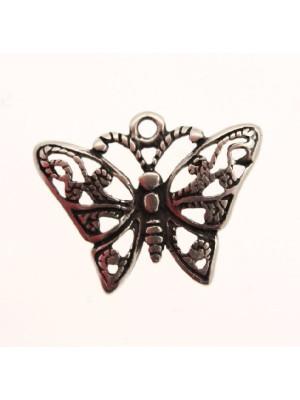 Ciondolo a forma di farfalla filigranata 28x20 mm.