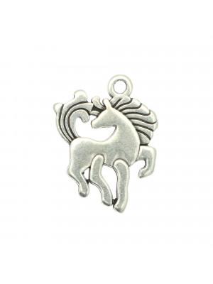 Ciondolo a forma di unicorno, piatto, 19x25 mm.