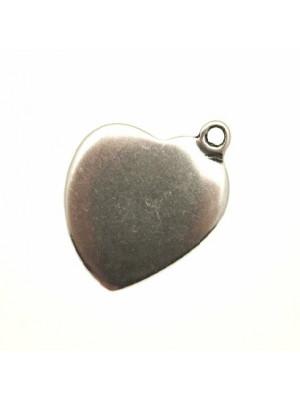 Ciondolo a forma di cuore liscio piatto pieno con anello di lato 26x30 mm.