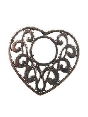 Ciondolo a forma di cuore piatto lavorato traforato con foro grande al centro 40x39 mm.