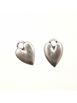 Ciondolo a forma di cuore medio liscio con un anello 10x14 mm.