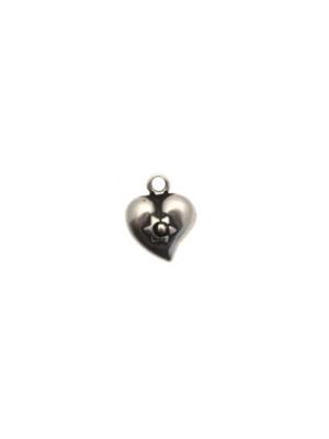 Ciondolo a forma di cuore bombato, 10x13 mm.
