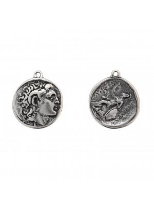 Ciondolo a forma di moneta romana antica, con un anellino tondo chiuso in alto, 27x31 mm.