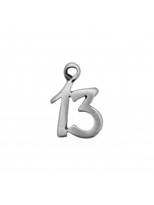 """Ciondolo a forma di numero """"13"""", 15x11 mm."""