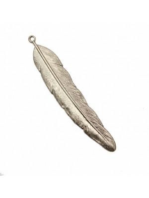 Ciondolo a forma di piuma, 11x60 mm.