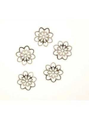 Coppetta filigranata traforata a fiori, con i bordi all?insù, diametro 14 mm.