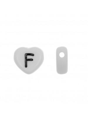 """Distanziatore a Cuore in resina con disegno lettera """"F"""", 12x11 mm."""