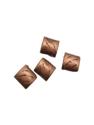 Distanziatore quadrato piatto, con tre linee disegnate, 8x8 mm.
