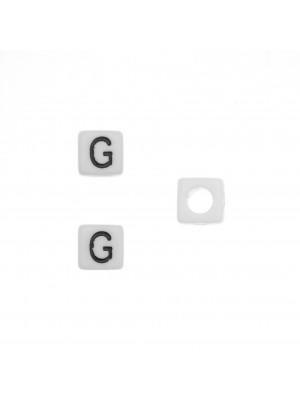 """Distanziatore quadrato in resina con disegno lettera """"G"""", 7 mm."""
