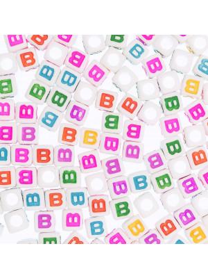 """Distanziatore a Cubo con disegno lettera """"B"""", 7mm., in resina bianca e lettera colorata"""