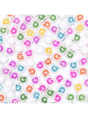 """Distanziatore a Cubo con disegno lettera """"G"""", 7mm., in resina bianca e lettera colorata"""