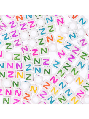 """Distanziatore a Cubo con disegno lettera """"N"""", 7mm., in resina bianca e lettera colorata"""
