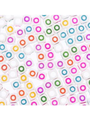 """Distanziatore a Cubo con disegno lettera """"O"""", 7mm., in resina bianca e lettera colorata"""