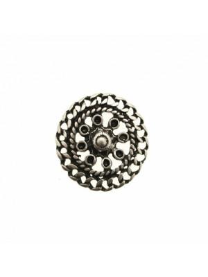 Filigrana tonda leggermente bombata, con catena grumetta piatta nel contorno, 25 mm.