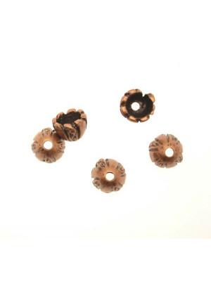 Terminale per cordoncini o copri nodo, a forma di coppetta con disegno a spicchi e puntini, 10x8 mm.