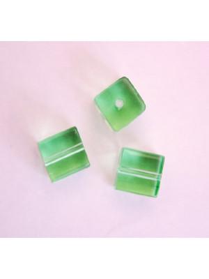 Cubo, 8 mm., Verde crisolite trasparente